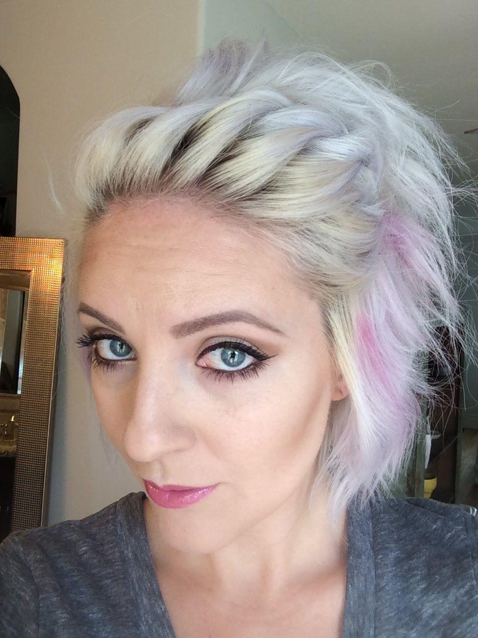 5 minute hairdo   Short hair tutorial, Short hair styles ...