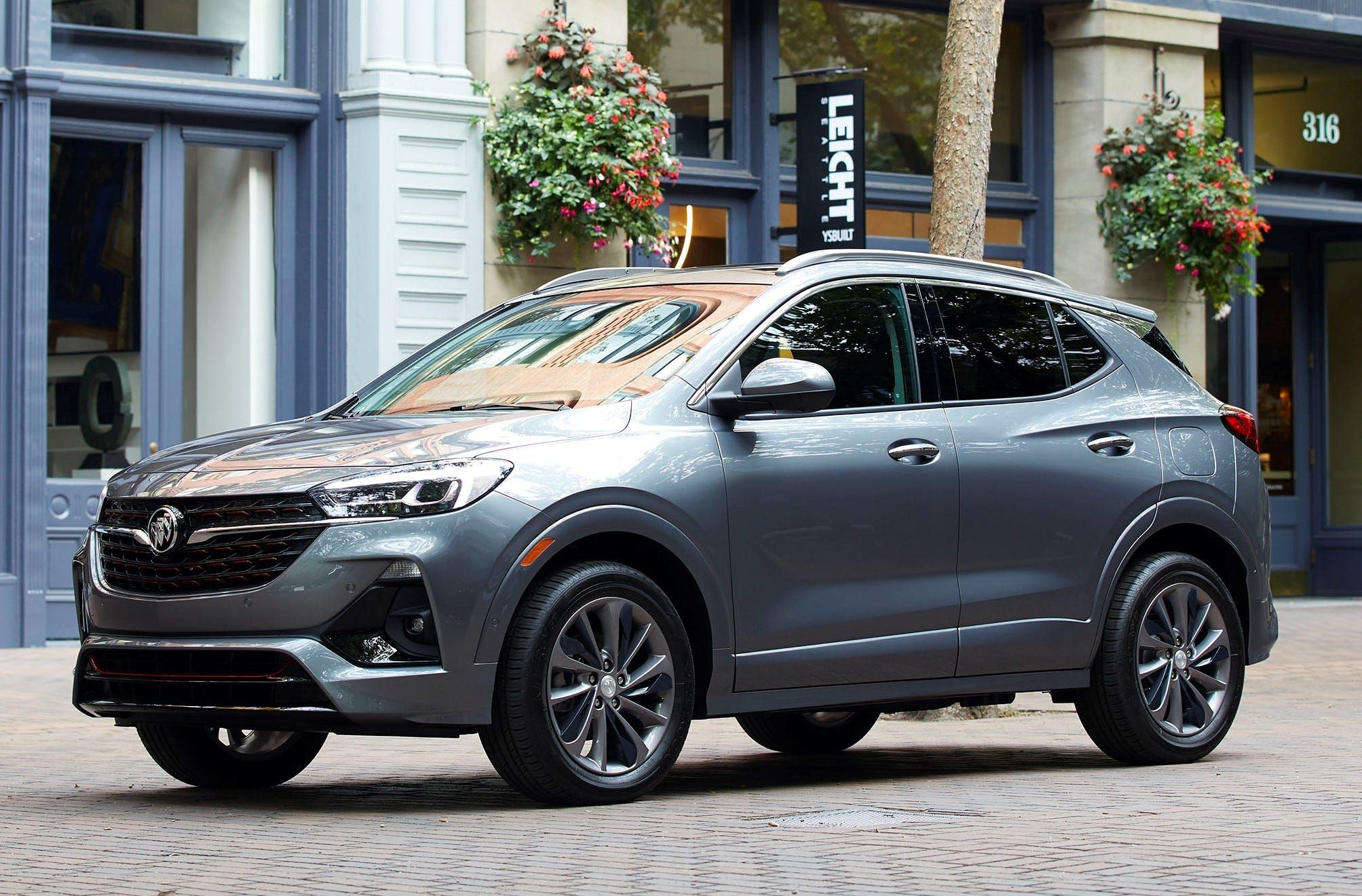 Buick Reveals Power Features Of 2020 Encore Gx Compact Suv Buick Encore Compact Suv Small Suv Cars