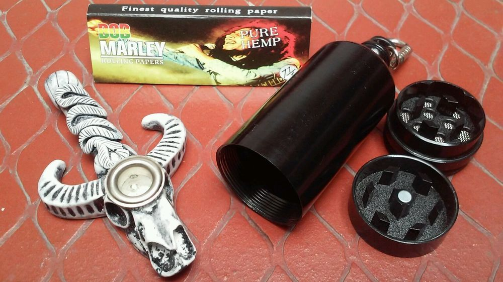 White Wild Bull Skull Pipe Small Bowl Bob Marley Rolling Papers Enchanting Bob Marley Smoking Wild