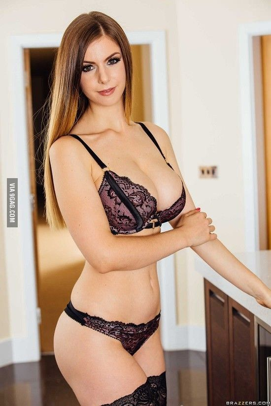 Stella Cox Cock For Cox She Does Gorgeous Women And
