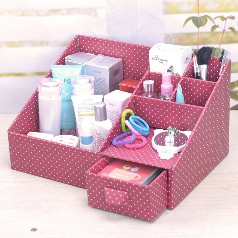Astuce Rangement Maquillage Boite Faite En Papier Rose Diy Makeup Organizer Cardboard Desk Organization Diy Diy Makeup Storage