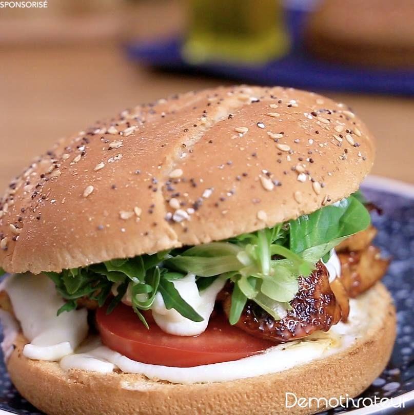 Le burger au poulet mariné, au chèvre et au pain hamburger Jacquet : une recette irrésistible qui va illuminer votre journée !