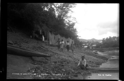 Vivienda de pescadores del Río Magdalena. Foto 1 | banrepcultural.org