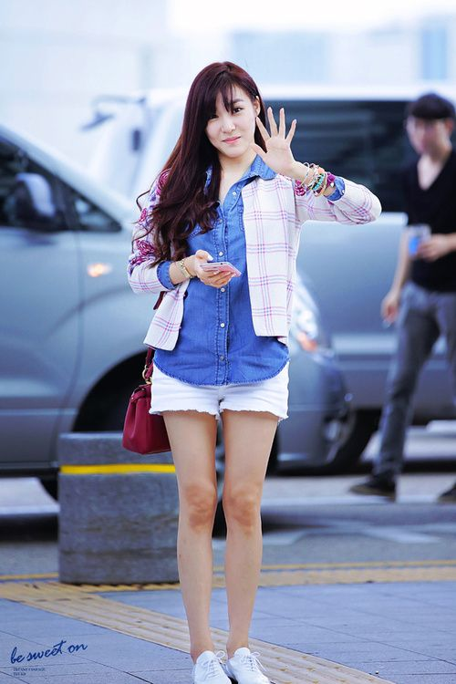 To acquire Hwang Tiffany airport fashion pictures trends