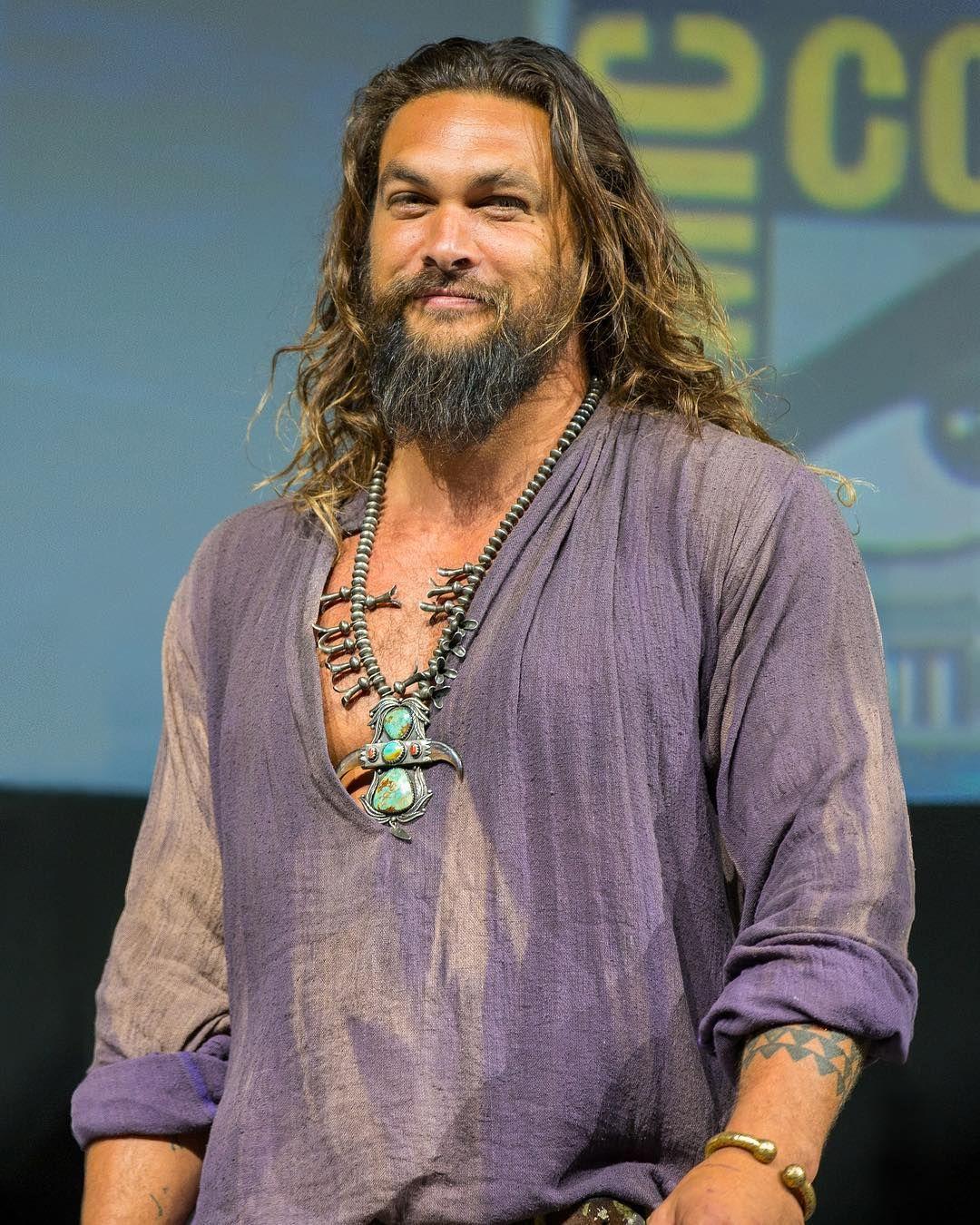 Jason Momoa Comic Con: Jason Momoa Takes Aquaman Movie Trailer To ComicCon Hangs