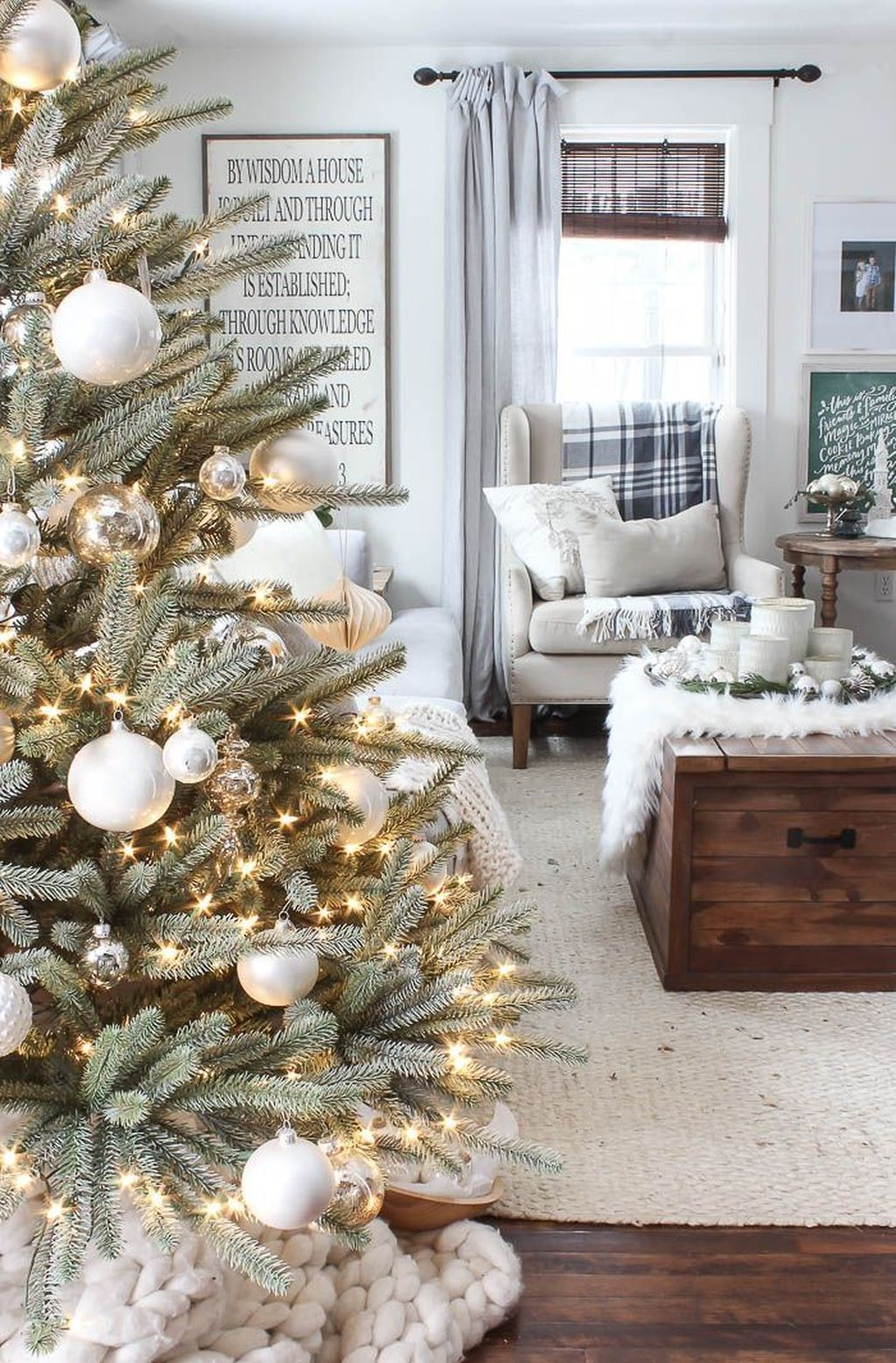 Gorgeous Winter Home Decor Ideas Which Makes You Cozy At Home #christmastreeideas