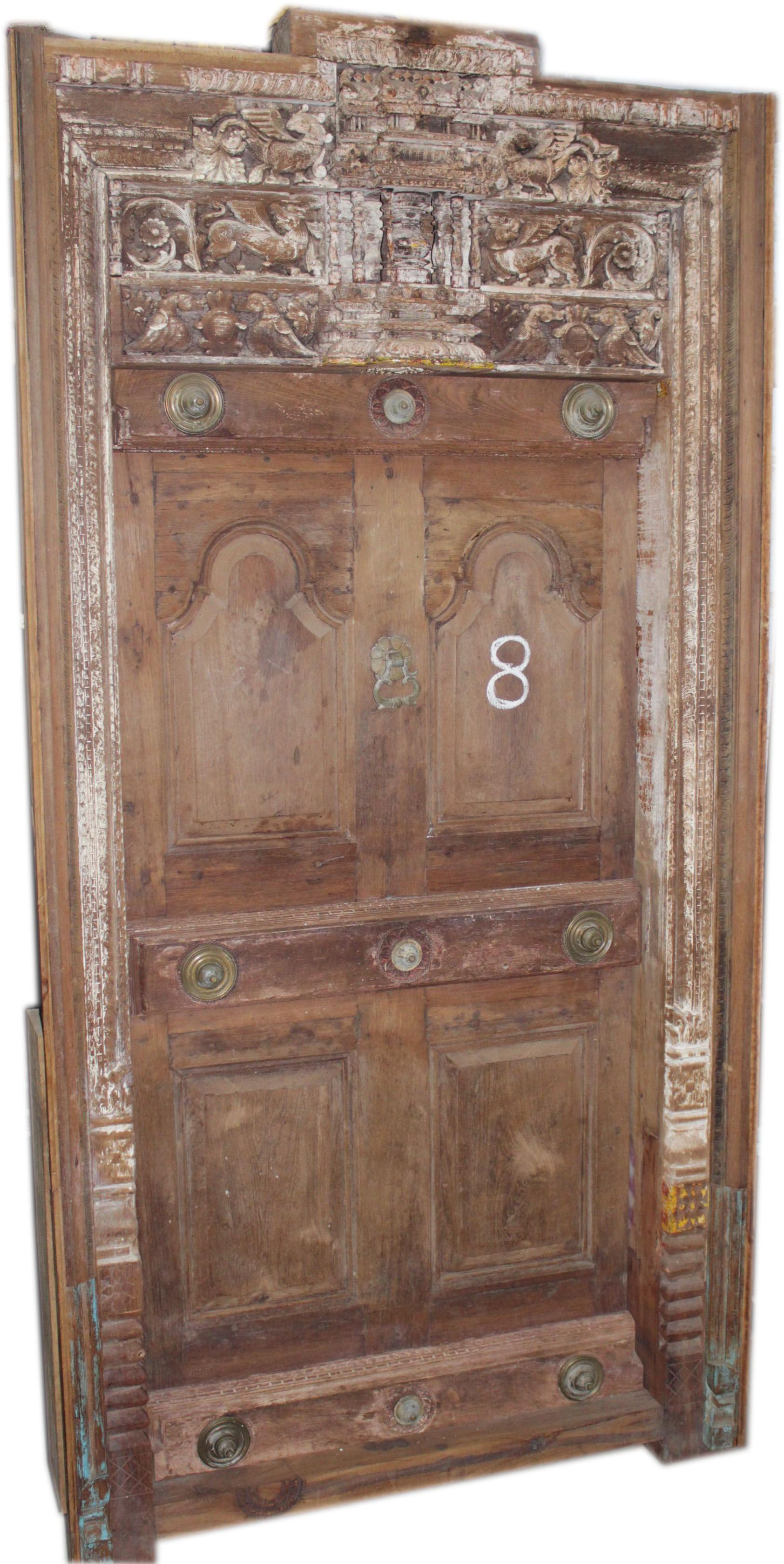 a entry door use full give a vintage look your home