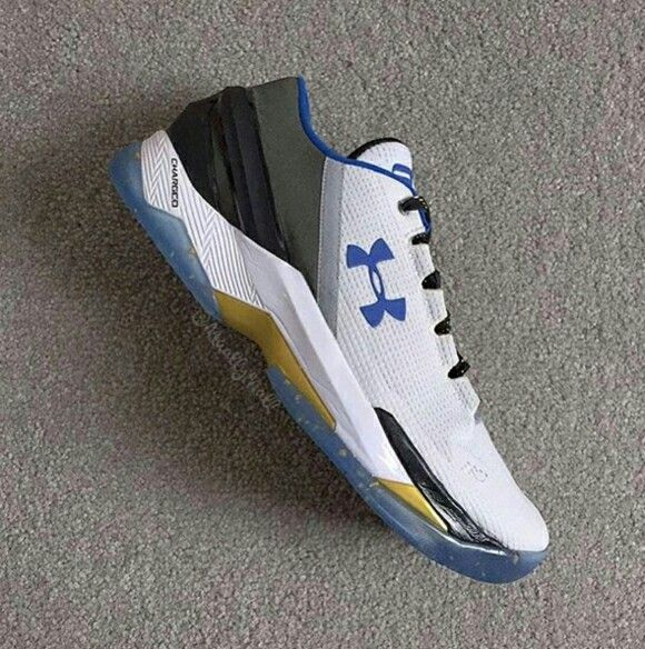 competitive price 4b9c6 d7c45 Under Armour Curry Two Low
