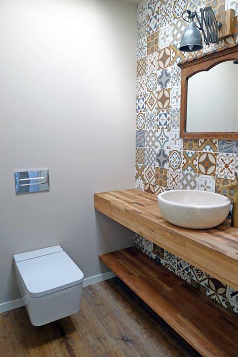 Vivienda en chamín baños de estilo moderno de ad+ arquitectura moderno cerámico