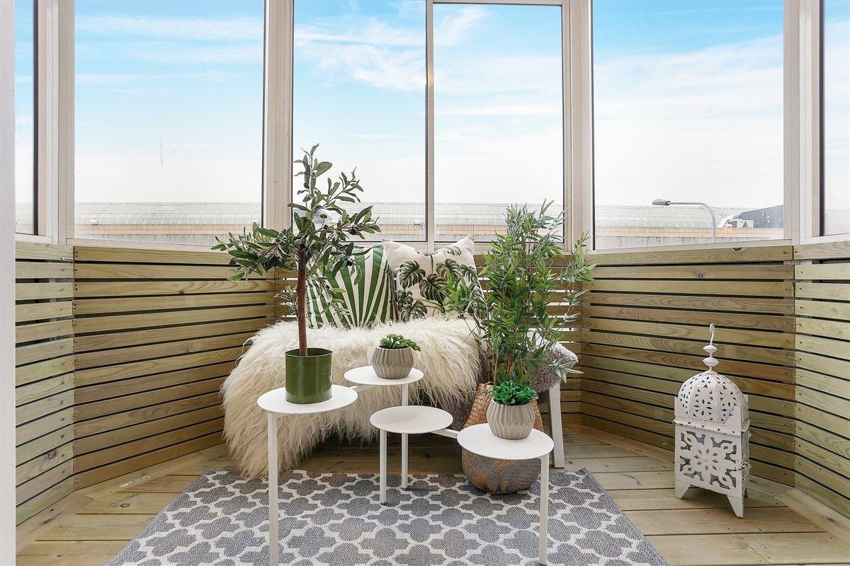 FINN – GRØNLANDS TORG: Strøken 3-roms leilighet nyoppusset i 2017 - Sydvendt balkong - Heis - Strøm, fyring og varmtvann inkludert!
