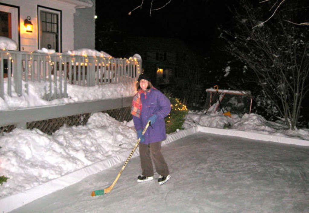 How To Build an Ice Rink in Your Yard (With images ...