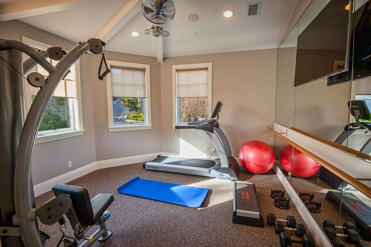 At Home Gym With State Of Art Equipment Gym Room At Home Home Gym Design At Home Gym