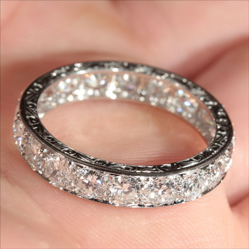 Vintage French Retro 38ctw Diamond Eternity Ring in Platinum c1940