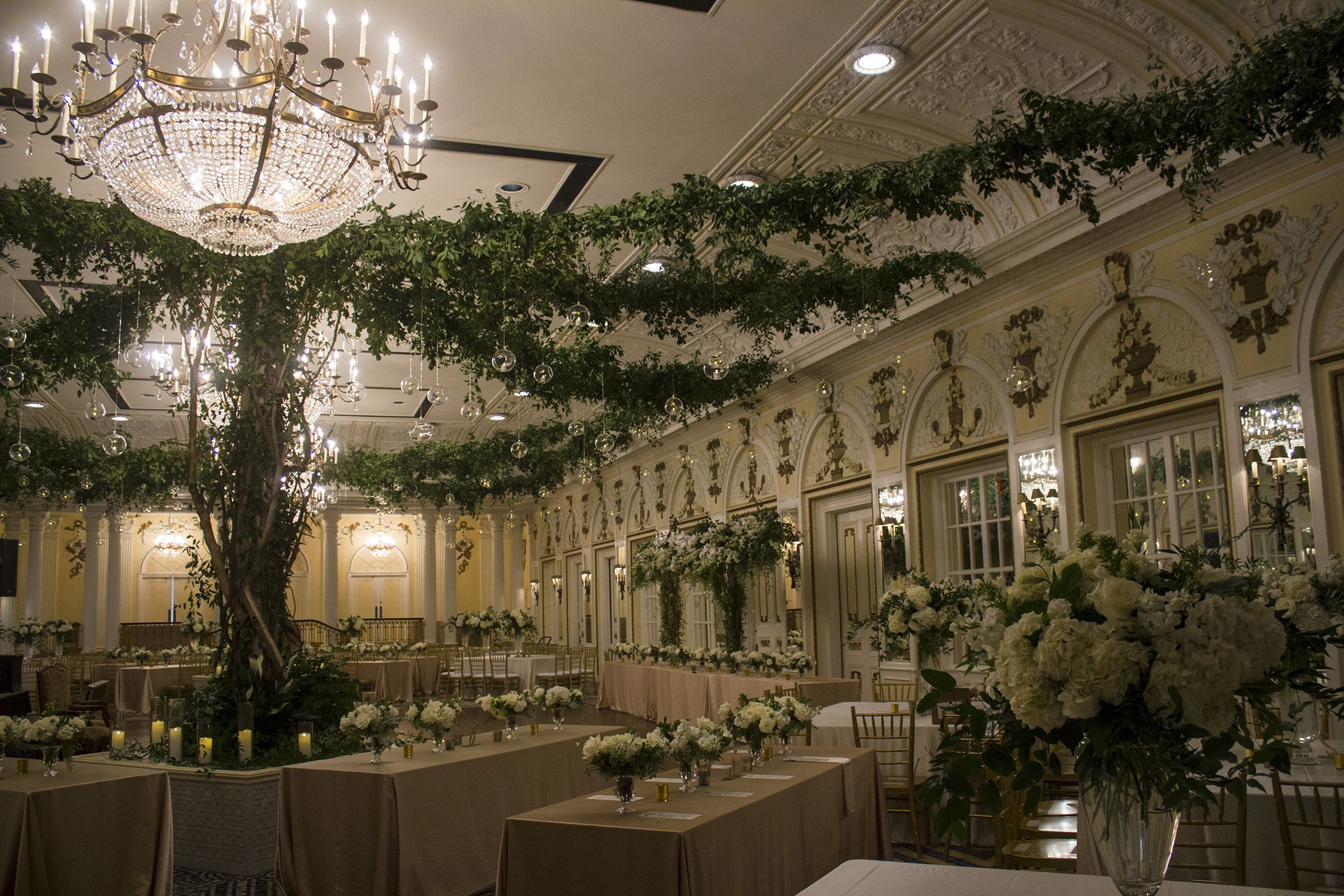 Garden Party Wedding Reception At The Peabody Hotel In Memphis Tn