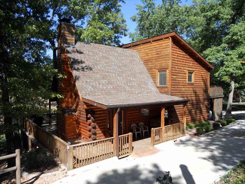Rent Luxury Log Cabins In Branson Little Bear Cabin Luxury Log Cabins Cabin Cabins In Missouri