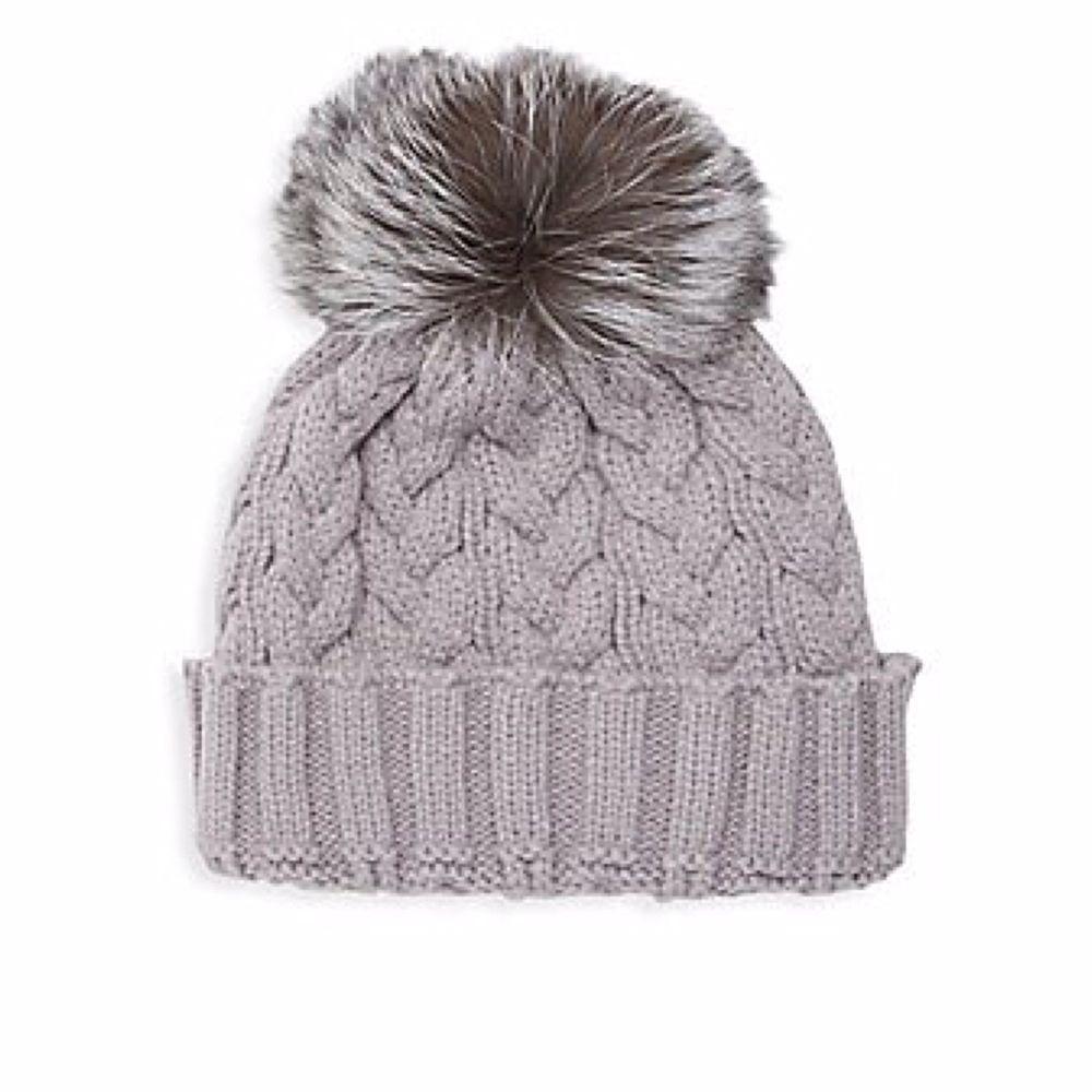 Adrienne Landau Gray Cable Knit Genuine Fox Fur Pom-Pom Hat Great 🎁🎅🏽   AdrienneLandau  BeanieSlush Clothing 15d00ceb5d3f