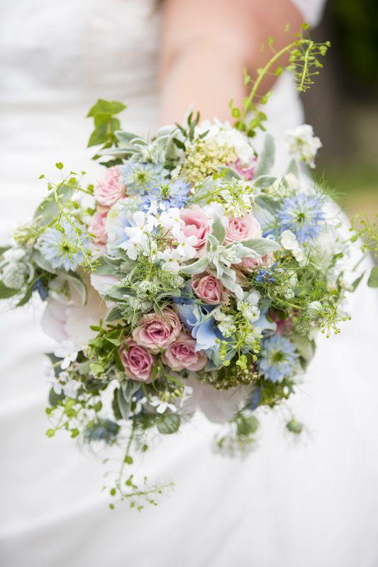brautstrau vintage rosa blau wedding bouquet. Black Bedroom Furniture Sets. Home Design Ideas