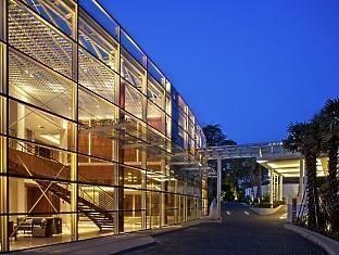 Amara Sanctuary Resort Singapore - The Facade