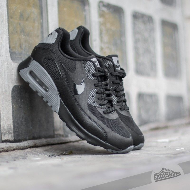 nike air max 90 ultra essential all black