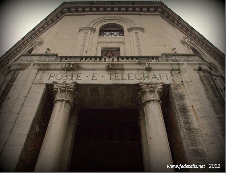 Palazzo delle Poste ( facciata ), Ferrara, Emilia Romagna, Italia - Post Office building (facade), Ferrara, Emilia Romagna, Italy - Property and Copyrights of www.fedetails.net
