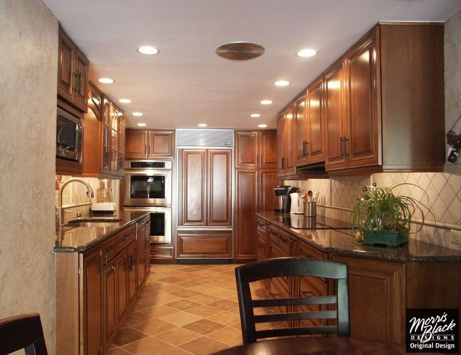 Best Corridor Kitchens Mesmerizing Rich Brown Kraftmaid 400 x 300