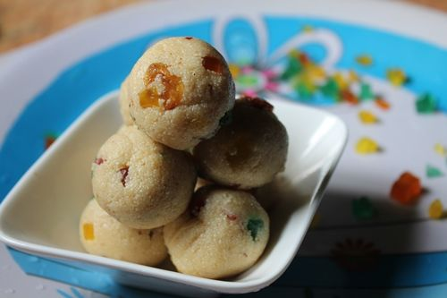 YUMMY TUMMY: 4 Min Microwave Rava Ladoo Recipe / Rava Ladoo using Condensed Milk - Easy Microwave Sweets