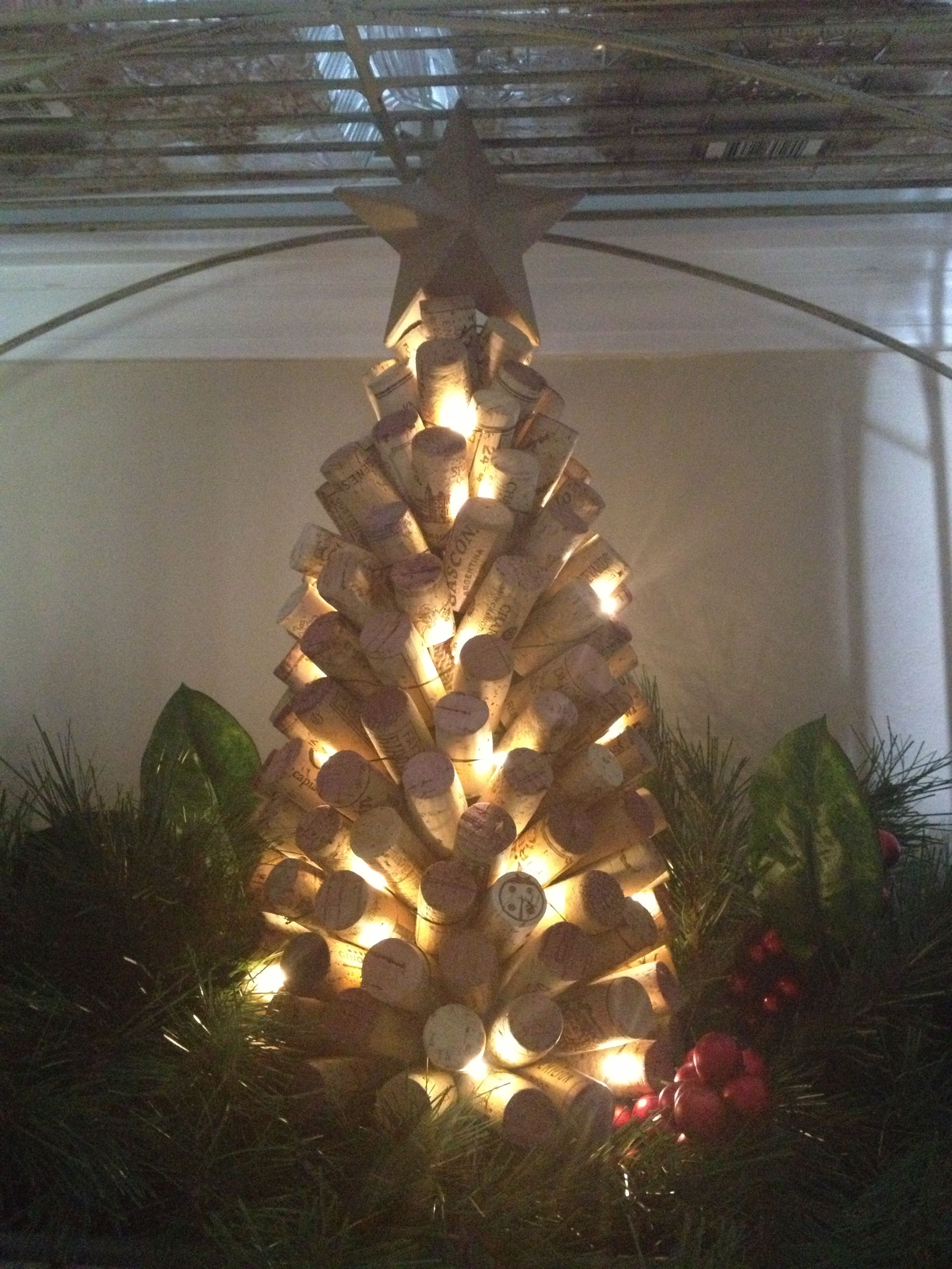 Wine Bottle Christmas Tree Diy.Cork Christmas Tree With Mini Lights Cork Christmas Trees