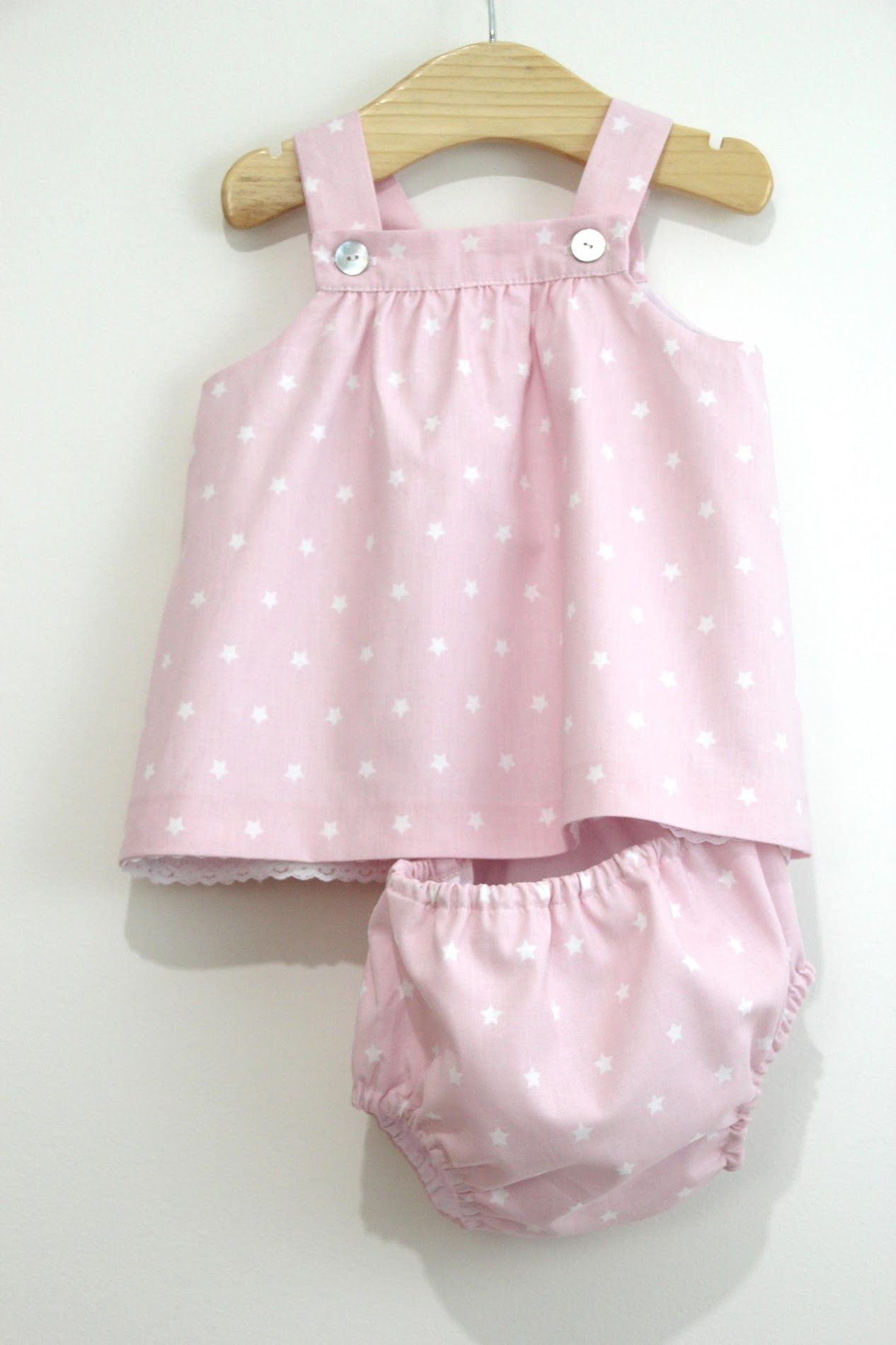 34cecc964 DIY Tutorial y patrones gratis VESTIDO y BRAGUITAS para bebé niñas. Costura  ropa bebés.