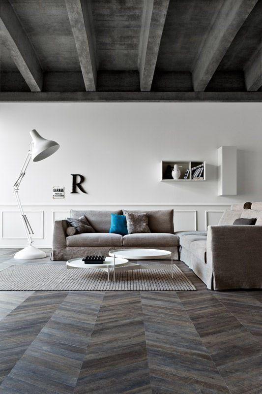 Salon Moderne Avec Parquet Point De Hongrie Gris Foncé Bedroom