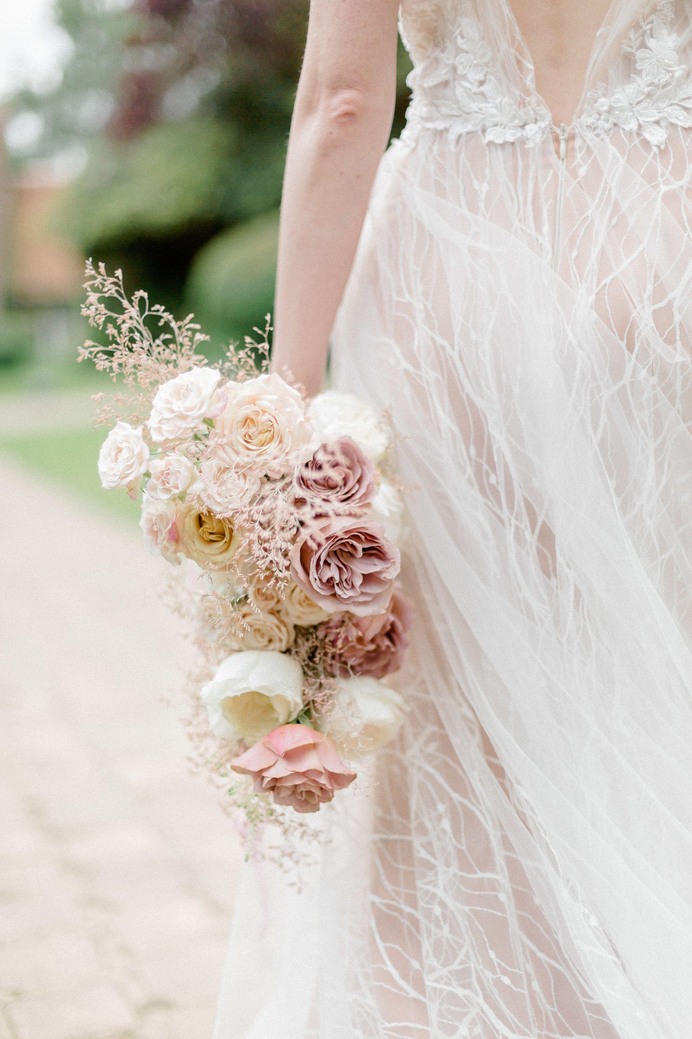 Mariage A La Catrache Mariage Mariage Paris Bouquet De Mariage