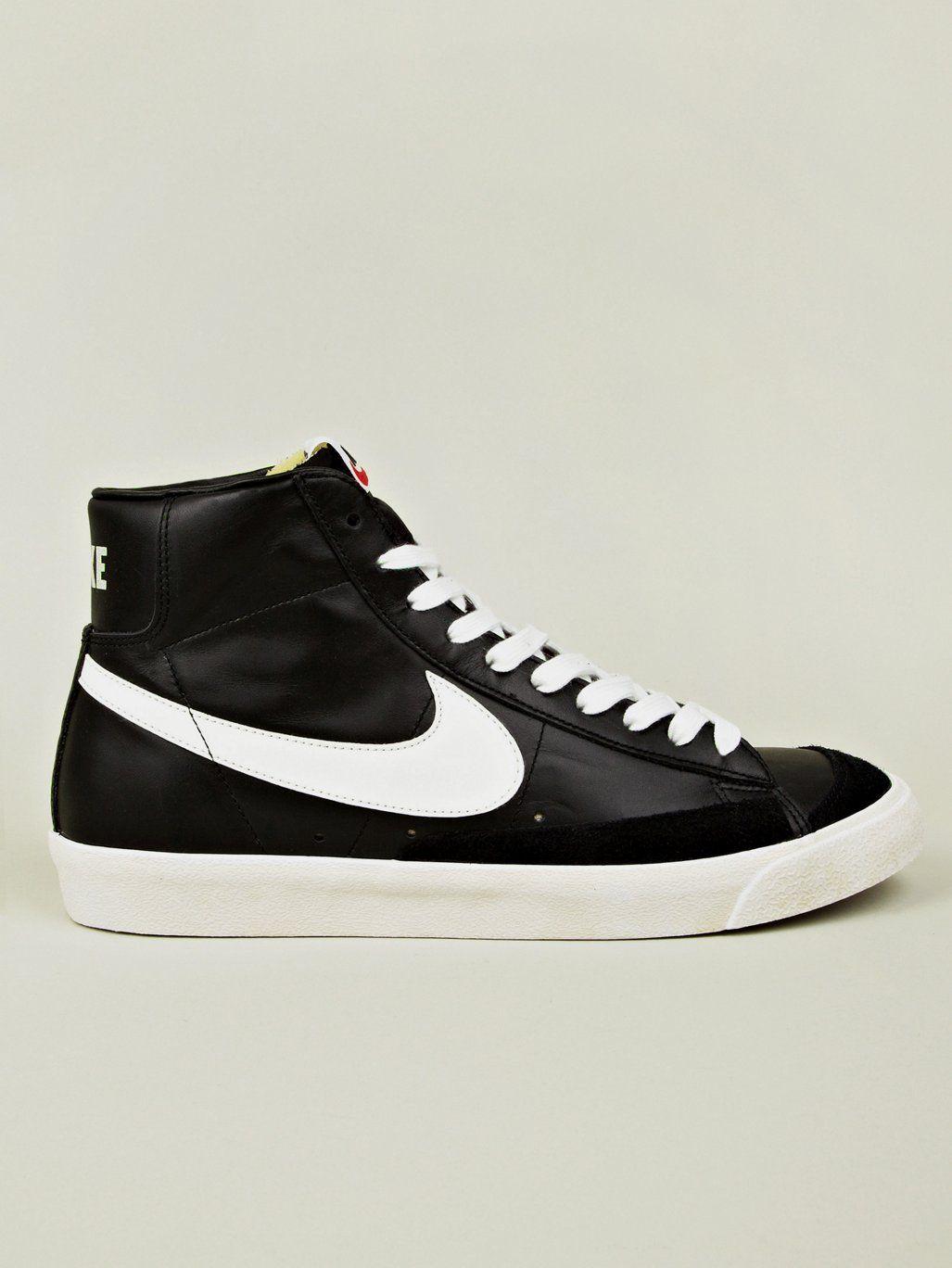 10aa78fc90adcf Nike Men s Blazer Mid 77 PRM Vintage Sneaker - oki-ni ...