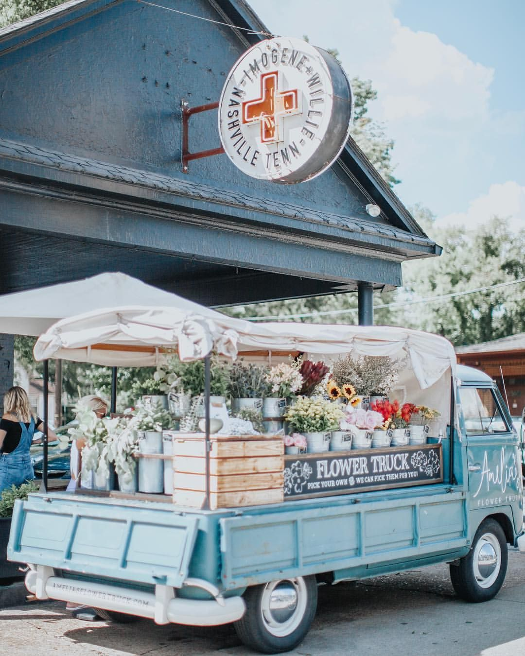 637 Likes, 2 Comments Amelia's Flower Truck