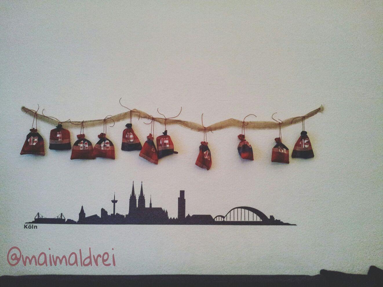 DIY Adventskalender, fertig an der Wand, Stoff von Ikea, Wandtattoo Kölner Skyline