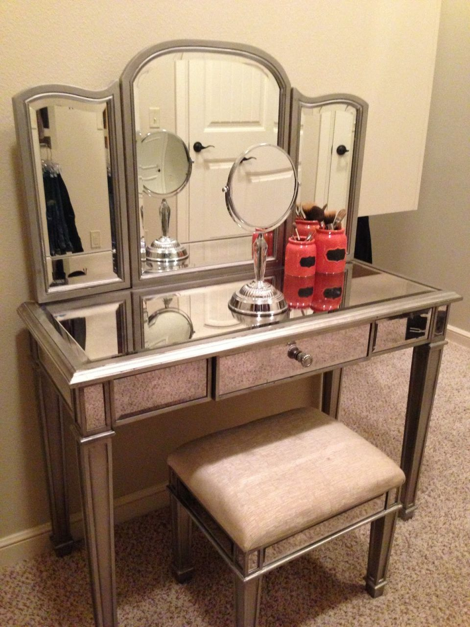 Makeup Vanity Table Bed Bath And Beyond Modern Home Office