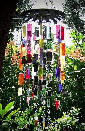mobile de jardin dehors pinterest carillon jardins et vitraux. Black Bedroom Furniture Sets. Home Design Ideas