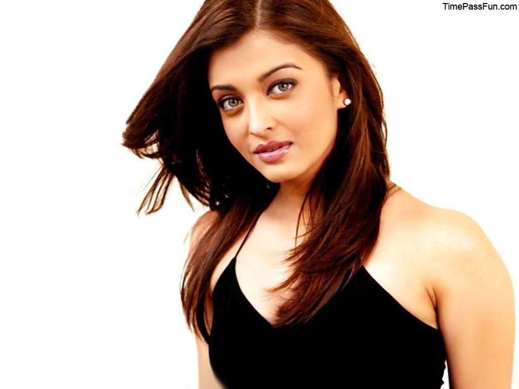 Top 25 Best Aishwarya Rai Wallpapers Hot And Hd Aishwarya Rai Hairstyle Aishwarya Rai Wallpaper Beauty Aishwarya rai hd wallpaper download