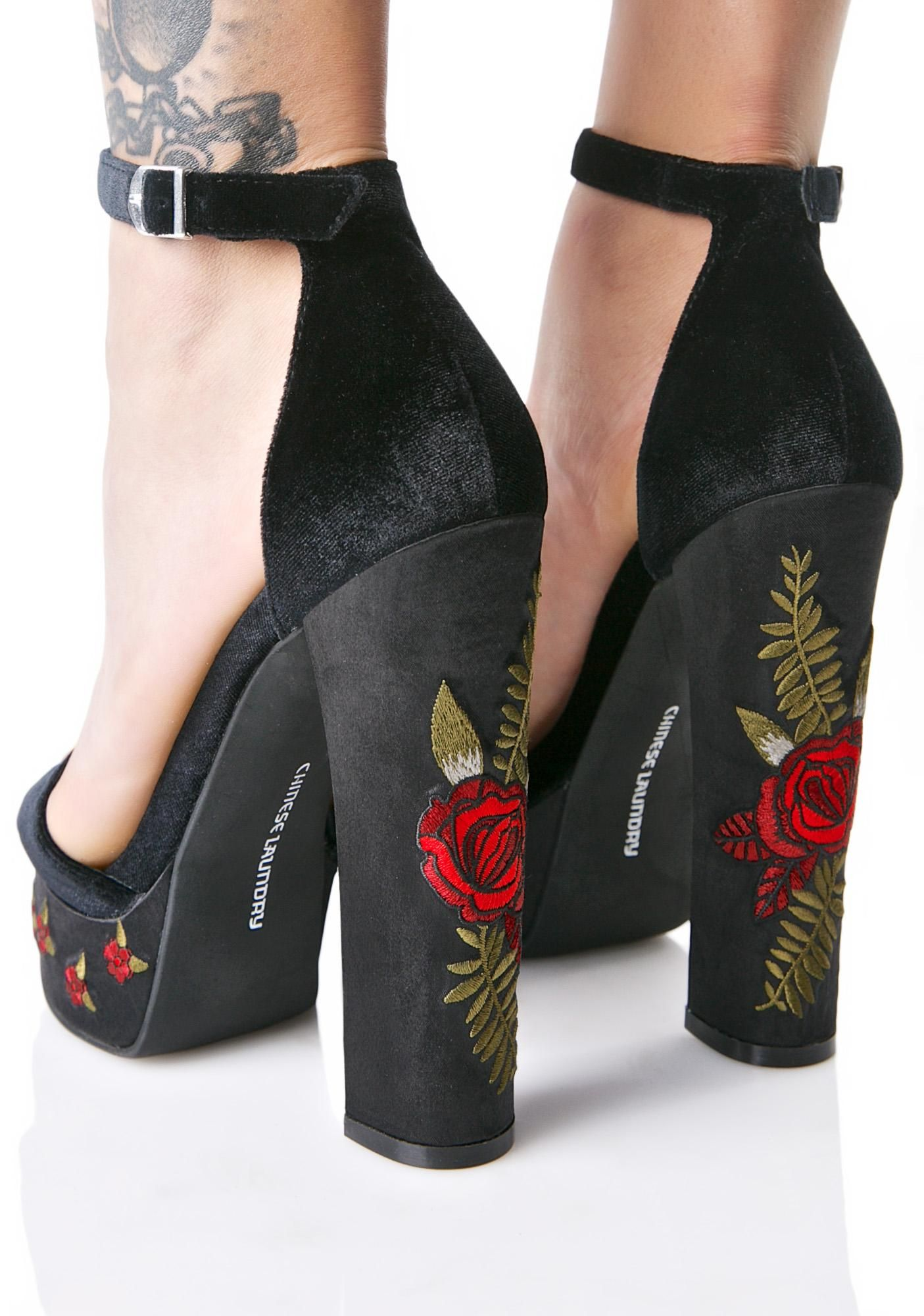 Coquettefashion black velvet rose embroidery platform heels httpdollskillchinese laundry ariana ccuart Image collections