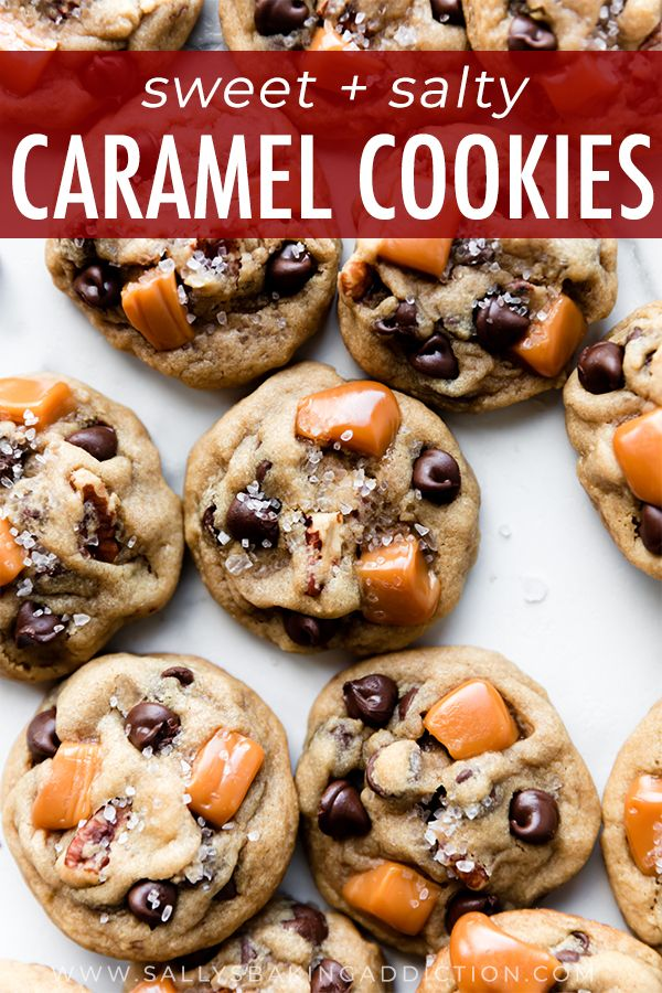 Deliciously soft salted caramel pecan chocolate chip cookies! Cookie recipe on sallysbakingaddiction.com #chocolatechipcookies