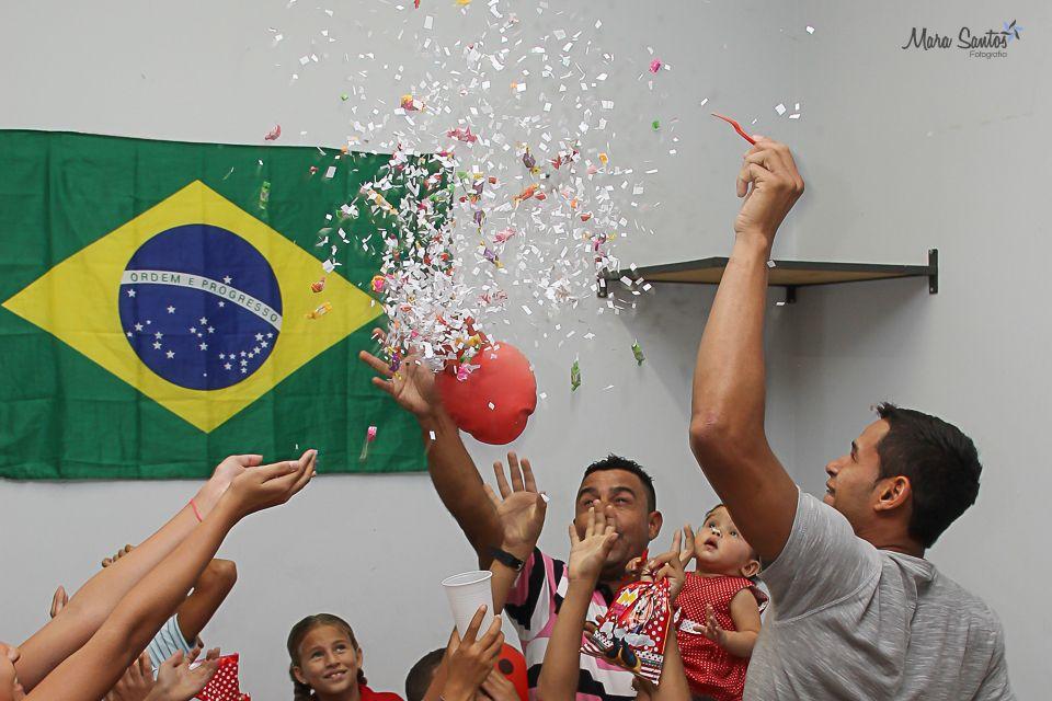 Momento bexigão, a alegria das crianças! O que será que tem dentro dele?  #aniversários #felicidade #comemoração #crianças #festa #estouro