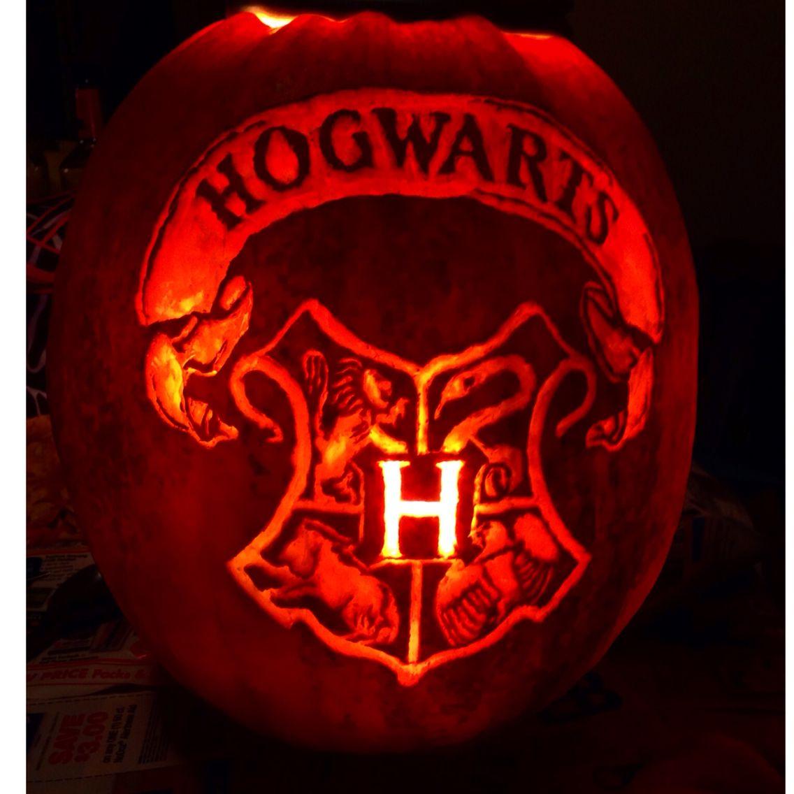 Hogwarts Crest pumpkin carving! in 2019 Pumpkin carving