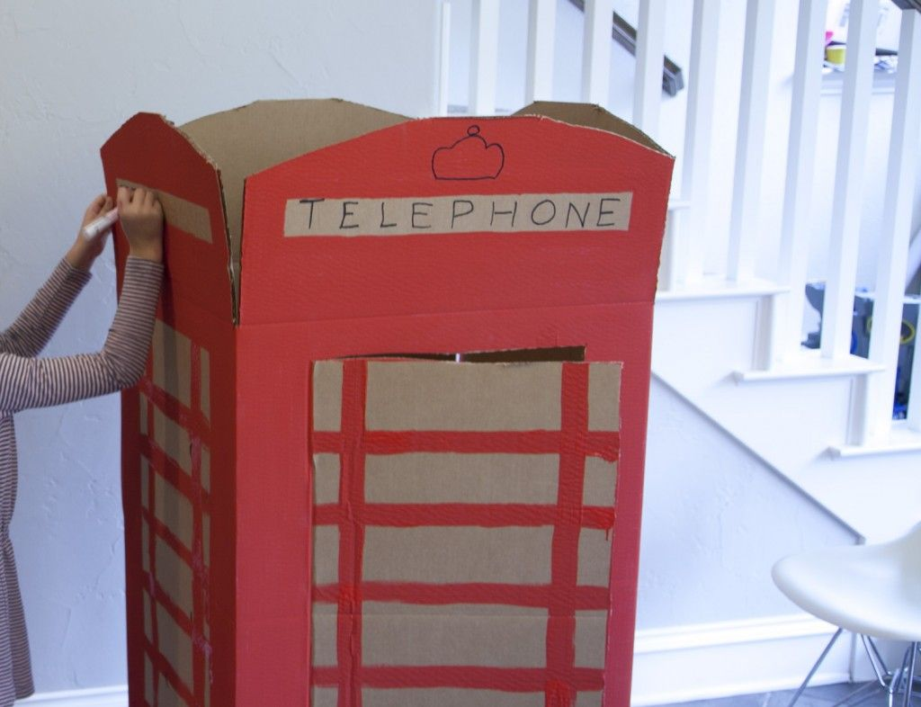 Refrigerator Box turned OldSchool Supermanstyle phone booth