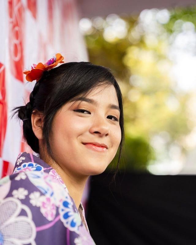 10 Pesona Cantik Azizi Asadel Putri Presenter Yang Jadi Member Jkt48 Wajah Chelsea