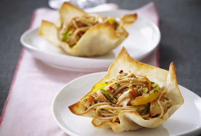 Recipes - Asian-style Spaghetti & Chicken Salad in Baked Wonton Cups » Chicken.ca