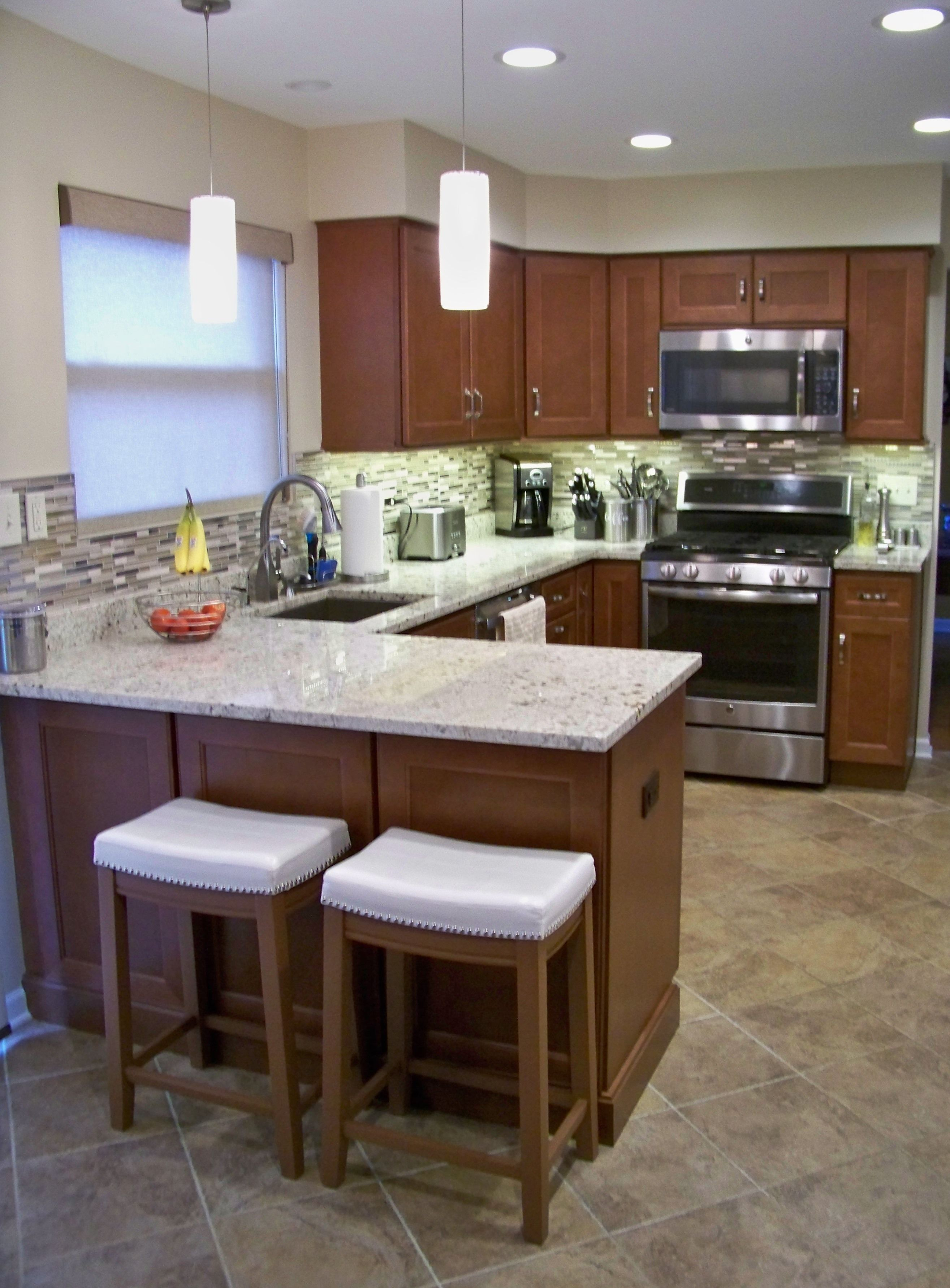 This Kitchen Doesn T Take Up Much E But It Is Organized