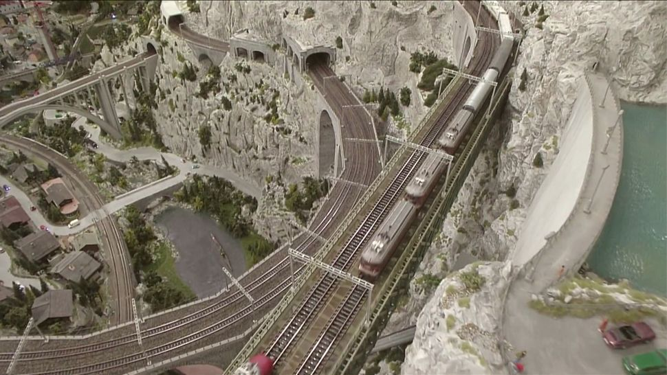 Everyone was over the moon for this homemade model railroad! It sure is impressive. But it's tiny compared to the Miniatur Wunderland in Hamburg, Germany. It's anything but miniature! It takes up more than 12,000 square feet of floor space!