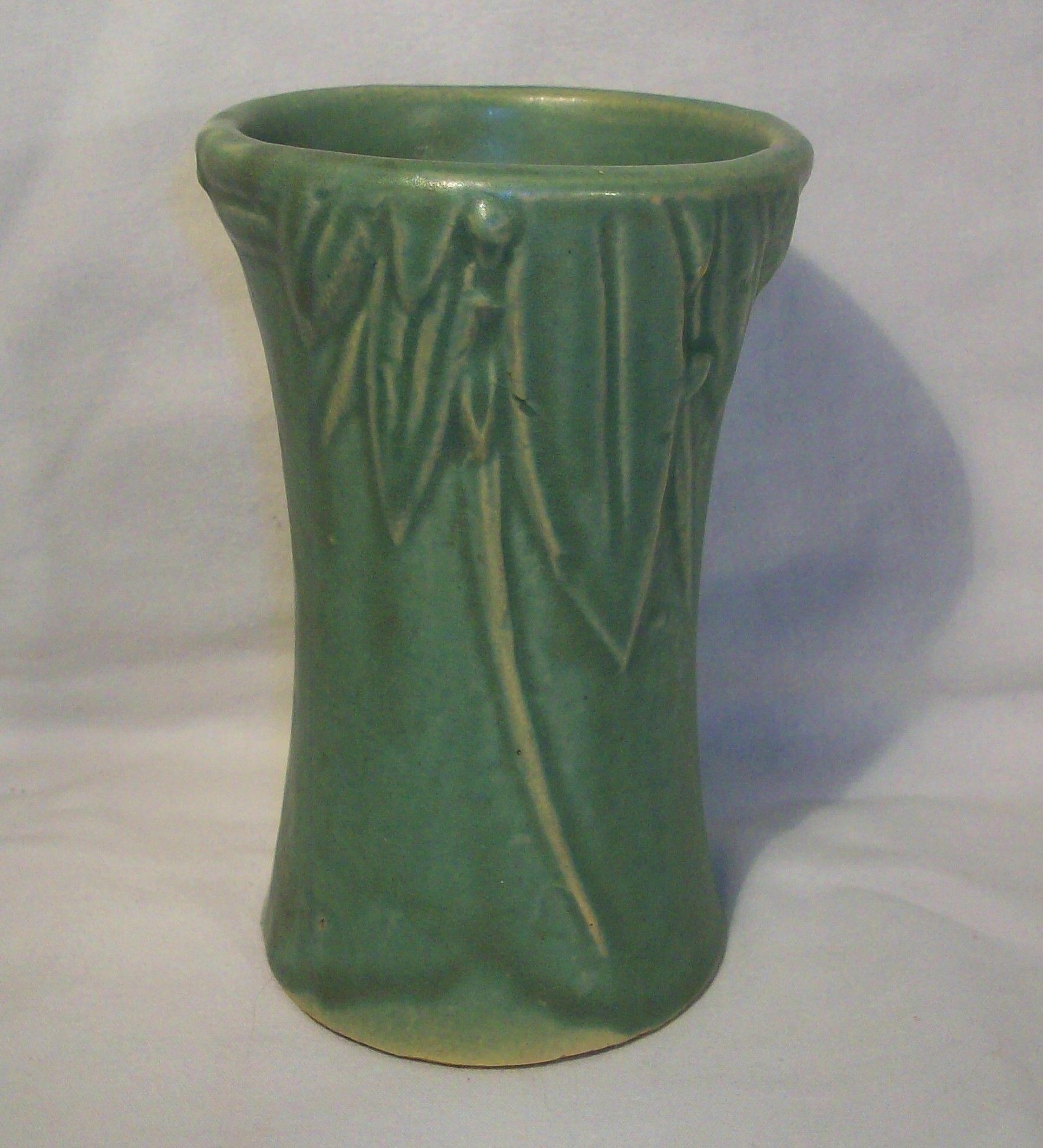 1930s mccoy pottery matte glaze leaves berries vase vintage 1930s mccoy pottery matte glaze leaves berries vase reviewsmspy