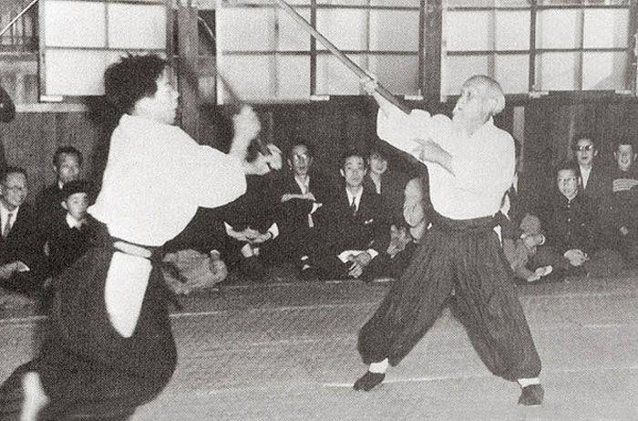 Zur 3. Generation der direkten Schüler des Aikidobegründers gehören in der heutigen Zeit noch eher bekanntere Namen. Das Aikido von Morihiro Saito