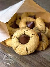 Gluten Free Peanut Butter Blossom Cookies. PB + Chocolate = Love   - Gluten, Dairy free - #Blossom #butter #Chocolate #Cookies #dairy #Free #Gluten #love #Peanut #peanutbutterblossomcookies