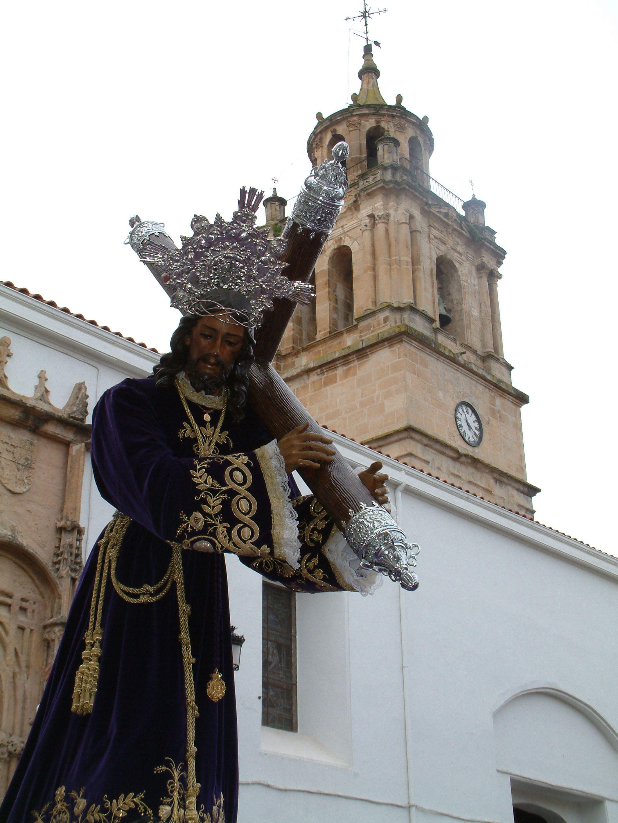 salida del desfile procesional de la cofradía de Jesús Nazareno de Martos