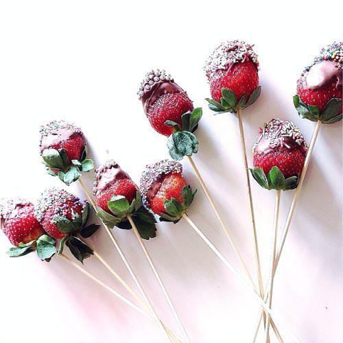 Chocolate Strawberries - The Stylist Splash